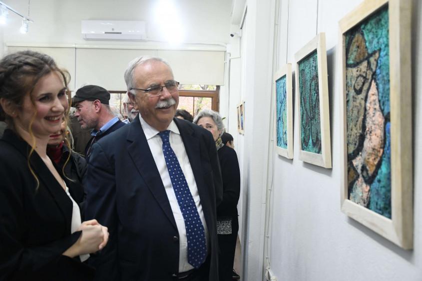 Doğal ve Yapay Cam Resim Sergisi, Yazar ve Sanatçı Evi'nde Açıldı