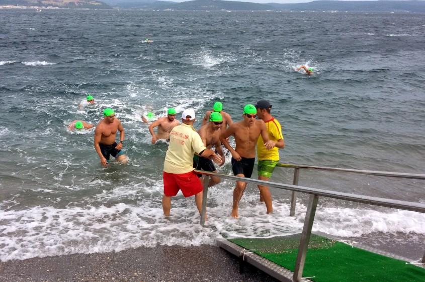 Çanakkale Boğazı'nda Nefes Kesen Yüzme Yarışı