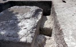 Alexandria Troas Antik Kenti'nde 2 Bin Yıllık Altar Bulundu