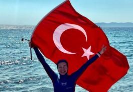 Su Altında Tek Nefeste 165 Metre Yüzerek Dünya Rekoru Kırdı