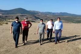 Vali Aktaş Tuzla Bölgesinde Hayata Geçecek Olan Jeotermal Sera Alanını İnceledi